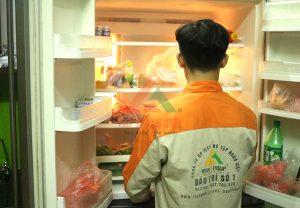 Thợ kỹ thuật sửa tủ lạnh mách bạn cách sử dụng tủ lạnh sao cho tiết kiệm điện